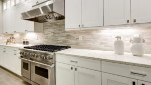 Backsplash molding