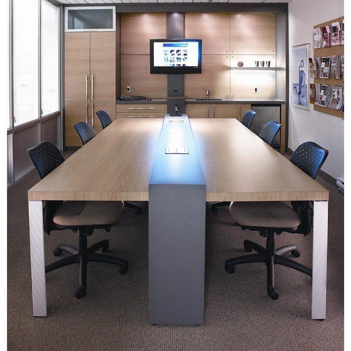 patte de table design triangulaire 700 mm 27 1 2 po 633 quincaillerie richelieu. Black Bedroom Furniture Sets. Home Design Ideas