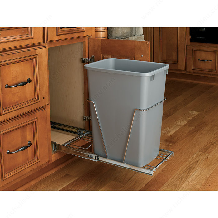 single 35 qt pull out waste container richelieu hardware. Black Bedroom Furniture Sets. Home Design Ideas