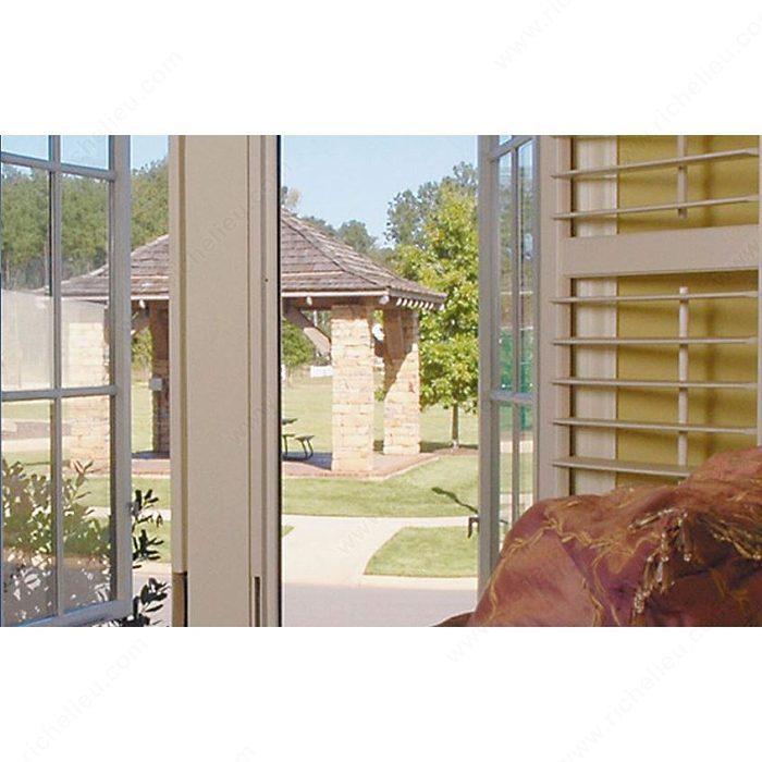 rouleau de toile moustiquaire en fibre de verre ultravue quincaillerie richelieu. Black Bedroom Furniture Sets. Home Design Ideas
