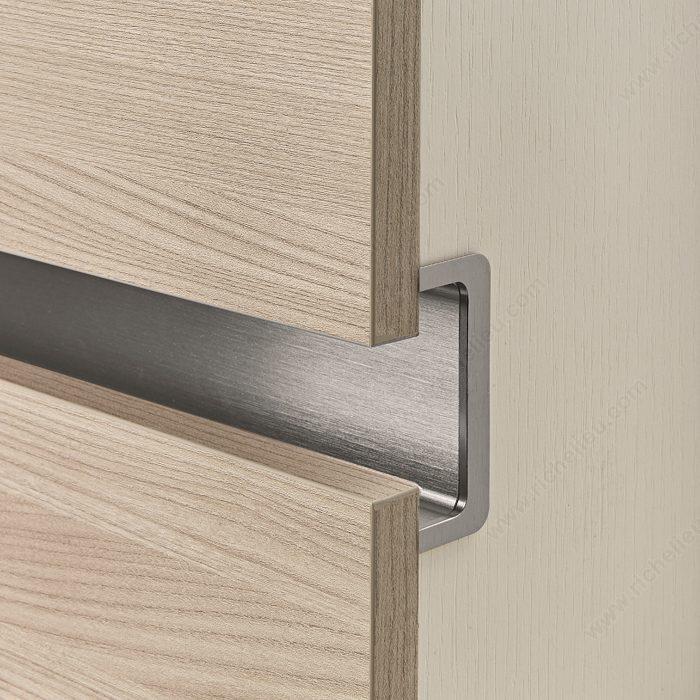 "J Mark Kitchen Cabinetry 8 Light Rail Molding: Gola ""C"" Shape Profile"