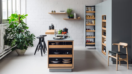 Customizable pull-out shelves