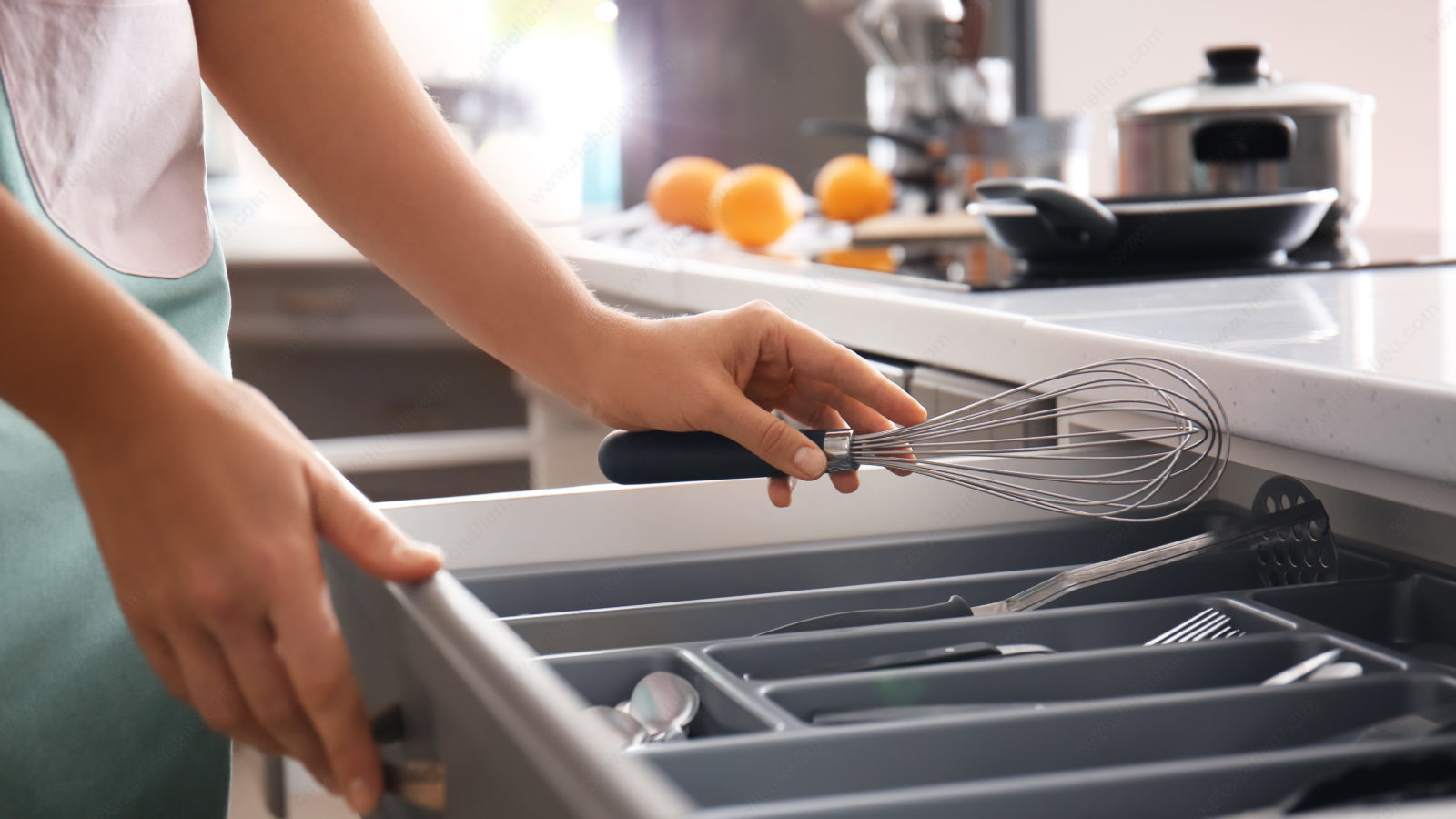 Organize your Drawers to Increase Efficiency in the Kitchen