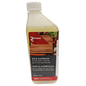 Oil and Conditioner for Richelieu Wood Surfaces