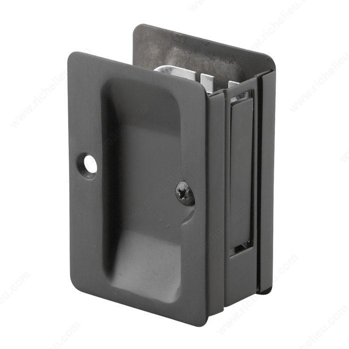 poign e pour porte escamotable munie d 39 une serrure de passage rectangulaire quincaillerie. Black Bedroom Furniture Sets. Home Design Ideas