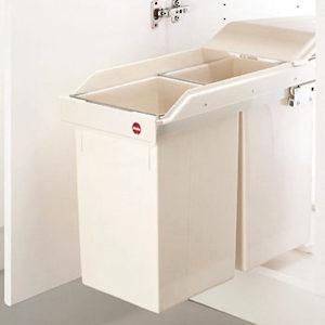 poubelle coulissante en plastique 2 x 15 l quincaillerie richelieu. Black Bedroom Furniture Sets. Home Design Ideas